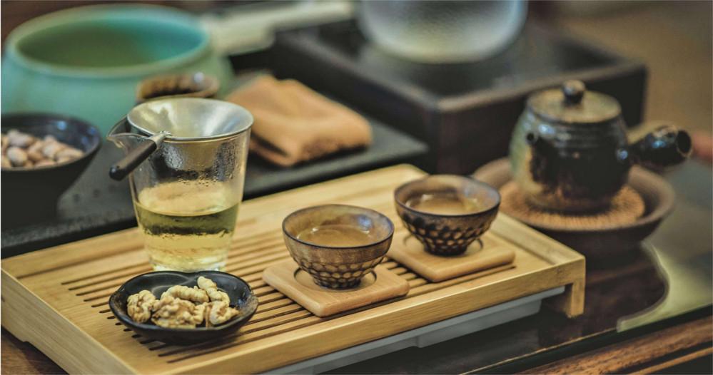 tea-ceremony-table