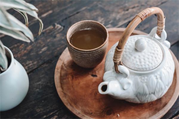 white-tea-pot